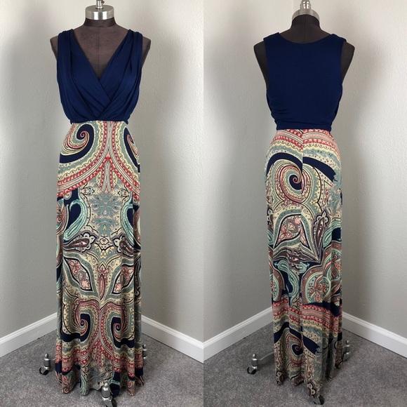 e93ec11dd0 Gilli Dresses   Skirts - Gilli Navy Paisley Sleeveless Stretch Maxi Dress